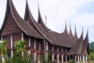 Rumah Gadang di pulau sumatera