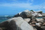 Bebatuan Pantai Tanjung Tinggi Belitung