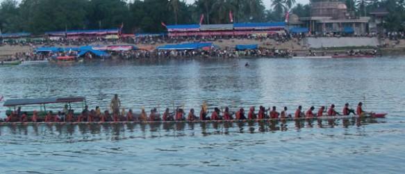 Festival Pacu Jalur Riau