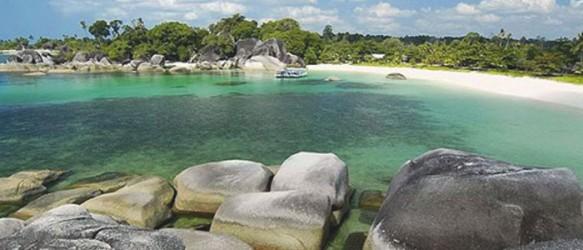 Kecantikan Pantai Tanjung Tinggi Belitung