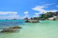 Pesona Kecantikan Pantai Tanjung Tinggi Belitung
