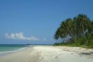 Pantai Trikora, Pulau Bintan, Sumatera