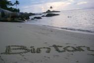 Salah Satu Pantai di Kepulauan Riau