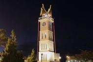 Suasana Malam Kawasan Jam Gadang Sumatera Barat