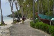 susur pantai pulau sikuai sumatera barat