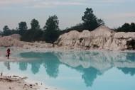 panorama danau kaolin bangka belitung